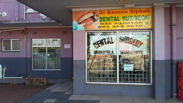 Dr Rancen Siphali - Dentist/Dental Surgeon - Verulam