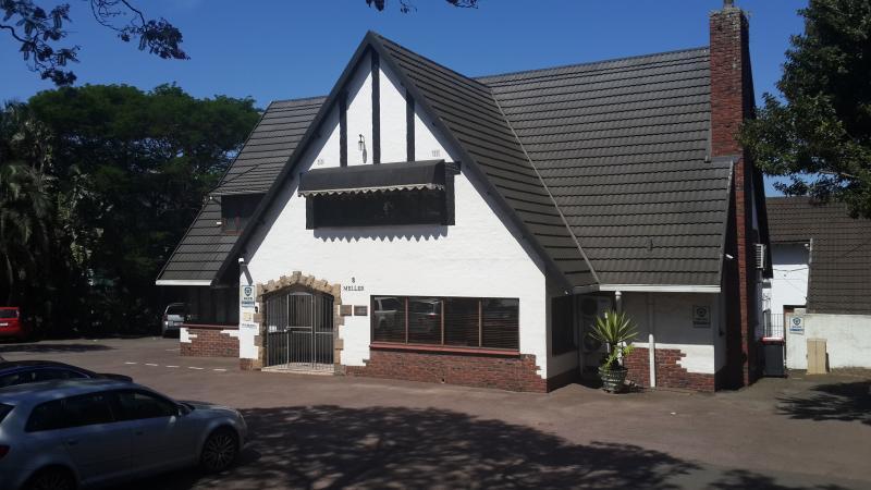 Dr W. van der Linde - Dentist/Dental Surgeon -  Pinetown - Durban - KwaZulu-Natal