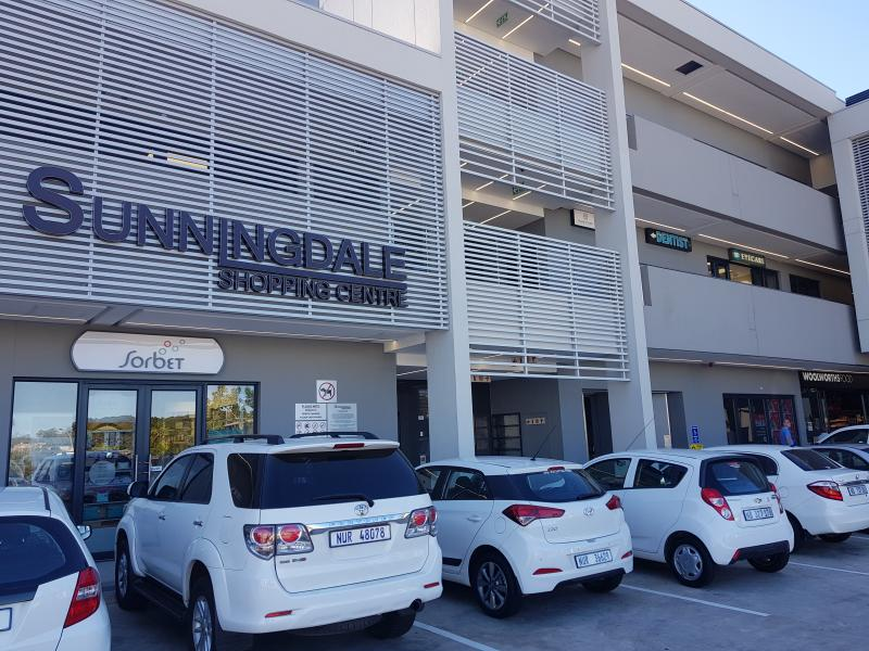 Sunningdale Dental Studio SDS - Dr Dinesh Prithipal - Dentist/Dental Surgeon - Umhlanga